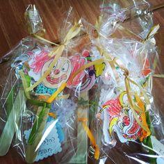 רעשנים עבודת יד ארוזים. לפעילויות נוספות לחג פורים ניתן לקרוא בבלוג שלי: http://fun-ducation.blogspot.co.il/2014/03/blog-post_19.html