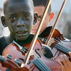 As 30 fotografias mais poderosas de todos os tempos... Confira!  http://www.hypeness.com.br/2013/11/as-30-fotografias-mais-poderosas-que-voce-ja-viu/
