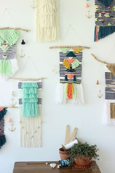 love the idea of hanging a charm/ornament alongside the weaving weaving_marin2_jesussauvage