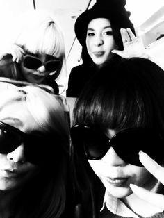 Dara tweets a photo of 2NE1 from Okinawa