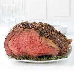 make Paula Deans every year for Christmas dinner. Need to try this dinner prime rib Emeril's Prime Rib Roast Recipe (Oven or Pellet Smoker) Grilled Prime Rib, Smoked Prime Rib Roast, Slow Roasted Prime Rib, Prime Beef, Smoked Ribs, Grilled Salmon, Boneless Prime Rib Recipe, Rib Roast Recipe, Gastronomia