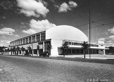Töölön kisahalli, Helsinki (Hytönen, Luukkonen 1935). Rakennuksen aiempi nimi oli Messuhalli. #funkis #functionalism