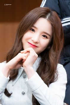 Photo album containing 21 pictures of HeeJin Extended Play, South Korean Girls, Korean Girl Groups, Cool Girl, My Girl, Hot Pink, Girl Artist, Lil Pump, Olivia Hye