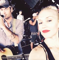 Gwen Stefani Son, Gwen Stefani And Blake, Gwen Stefani Style, Gwen And Blake, Blake Shelton And Gwen, Cute Couples Photos, Cute Photos, Happy Birthday To Her, Hollaback Girl