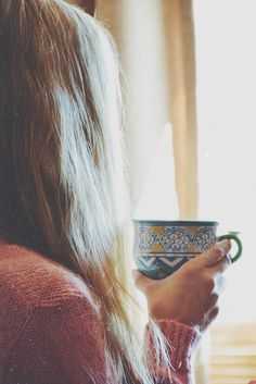 Image shared by Not Only Photos. Find images and videos about girl, hair and beauty on We Heart It - the app to get lost in what you love. Coffee Break, Coffee Time, Tea Time, Coffee Cups, Morning Coffee, Life Is Beautiful, Good Morning, Early Morning, Morning Light