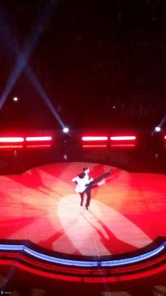Jay e @AlionaVilani na turnê do Strictly em Manchester, na Inglaterra. (via @emszki) (30 jan.)