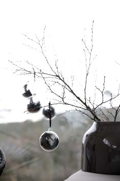 DIY personalized Christmas baubles // Monique Lund