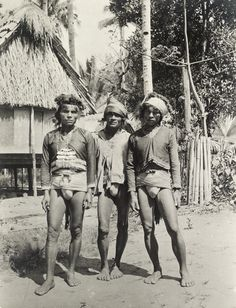 Tingian warrior chiefs ornamented with mother of pearl and feathers. Filipino Culture, Pinoy, National Geographic, Vintage Photos, Philippines, Girls, Explore, The Originals, History
