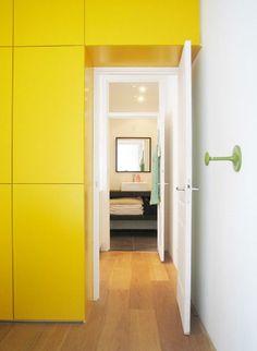 inbouwkast appartement ´Ruim wonen op 55m2´ te Amsterdam, door Studio Jonna Klumpenaar