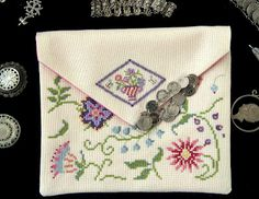 DMC Pochette Chelsea. Free pattern available by me: corrieneeltje@gmail.com