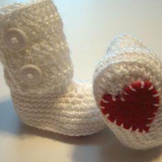 Ugg-inspired crochet baby boots