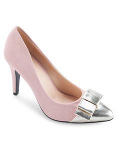 Like shoes.. http://www.zocko.com/z/JEldk
