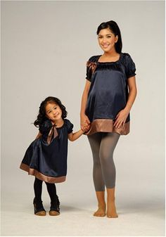 Cute maternity blouse with bow detail & matching girl's dress ♥ I have to do this with me and Alissa!!!!!