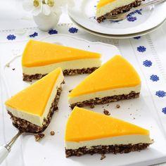 Smoothie-Käsekuchen mit Mango-Guss und Puffreisboden Rezept | LECKER