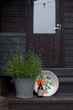 brought to you on a tray My Happy Place, Black House, Country Style, Shabby Chic, Tray, Cottage, Deco, Interior, Plants