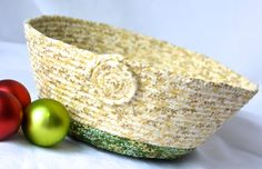 Wexford Treasures: Christmas Decoration, Handmade Holiday Party Basket, Bowl by WexfordTreasures