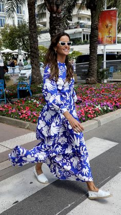 Neither gala costumes nor tuxedo: Cannes actresses dress even better off the red carpet - Floral Maxi Dress, Boho Dress, Cannes, Maxi Outfits, Maxi Dresses, French Outfit, Business Mode, Street Style, Spring Dresses