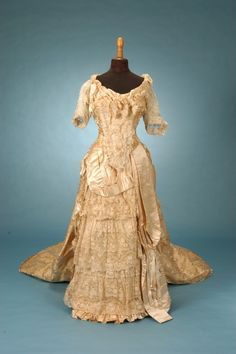 English Court Presentation/Wedding Gown c. 1882-84, Trousseau - Fine Antique Fashion