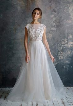 FILALI / 3d lace embroidery wedding dress low sexy embroidery