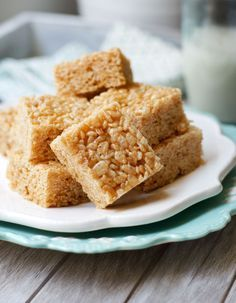 Healthy Rice Crispy Treats (Vegan) These gluten-free treats are fructose-free and taste BETTER than the original!