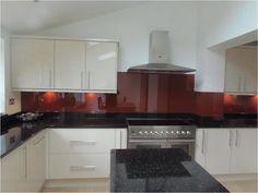 Ivory Kitchen units. Installed Kitchen by HDHomeStyle.co.uk
