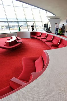 Eero Saarinen's Trans World Airlines (TWA) Flight Center at John F. Business Office Decor, Corporate Office Design, Office Interior Design, Office Interiors, Corporate Business, Twa Flight Center, Kennedy Airport, Airport Design, Airport Lounge