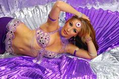 Love her costume, I took classes with her amazing belly Dancer Bozenka :)