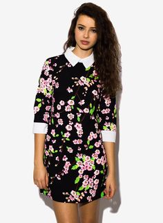 Floral Contrast Collar Dressits a pretty dress i never thought dresses with collars were ever cute... until i saw this one....