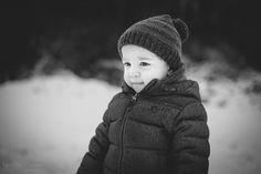 Kinderfotografie | Kinder-Shooting im Schnee | Winter | Schwarz-weiß (c) Kerstin Pinnen Fotografie