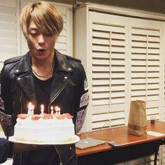 Happy early birthday とーる☺︎☺︎☺︎ 困ったとき、不安なとき、頼れるリーダー! いつもありがとうな( *`ω´) #happybirthday #28 #顔いけや