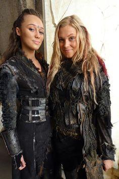 Lexa (Alycia Debnam-Carey) and Clarke (Eliza Taylor) The 100