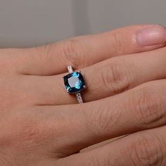 Londres naturel topaze bleue bague bague en par KnightJewelry