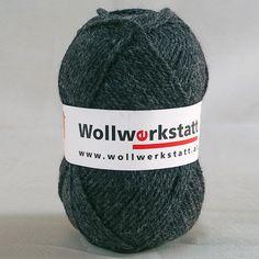 Strickwolle aus 100% Schafschurwolle, für Nadelstärke 3-4, Lauflänge ca. 170 m, 100 g inMerinoqualität. Perfekt zum stricken von Pullover Schal und Mütze.   Zur Herstellung unserer Strickwolle werden je zur Hälfte Österreichische... Knitted Hats, Knitting, Fashion, Sweater Scarf, Sheep, Threading, Get Tan, Breien, Moda