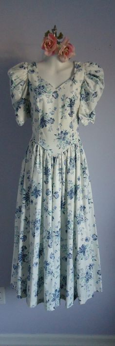 "So funny, 30 year old dress is called ""Vintage Laura Ashley White and Blue Cotton Dress"" Laura Ashley Vintage Dress, Laura Ashley Fashion, 80s Fashion, Fashion Dresses, Vintage Fashion, Vintage Style, Pin Up Dresses, Modest Dresses, Ashley Clothes"