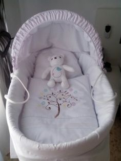 Moisés: ideas para forrarlo y decorarlo   Blog de BabyCenter