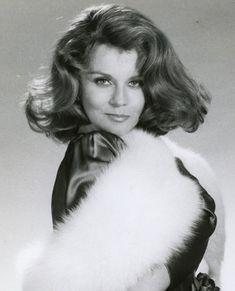 Vintage Hollywood, Classic Hollywood, Hollywood Stars, Ann Margret Photos, Swedish American, Female Movie Stars, Golden Girls, Golden Age, Keith Richards