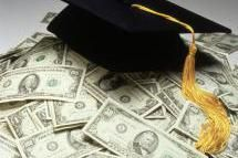 College Money - Zephyr Picture / Photolibrary / Getty Images