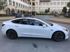 Tesla-Model-3-Sideview