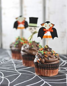 Halloween Count Dracula chocolate cupcakes - cute! Rattlebridge Farm blog