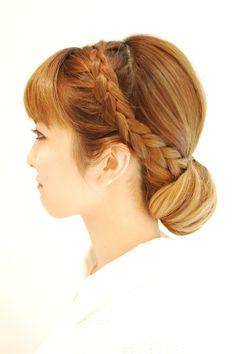 Hairstyles 2014 - low bun with braids - side | ヘアスタイル 2014 - 低めシニヨンアレンジ - サイド (ヘアスタイリスト 前田 真吾)