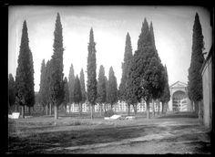 1928. Cementerio  de San  Martín,actual estadio Vallehermoso.Avda Islas  Filipinas.