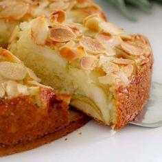 Easy Apple Cake, Apple Cake Recipes, Baking Recipes, Dessert Recipes, Recipe For Apple Cake, Apple Bake, Apple Tea Cake, Carrot Cake, Delicious Desserts