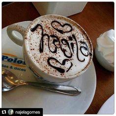 Mais  um cappuccino mega especial tirada por clientes especiais. #lanchepolos #Repost @najelagomes with @repostapp ・・・ Gente esse foto explica pq AMO tomar café da manhã na Polos,toda vez é esse carinho..Obg Léa. #bomdia #deusnocomando @polospaesedoces (em Polos Pães e Doces)