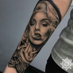 Sexy Marilyn Monroe Tattoo Designs & Meanings – Beaut … – Tattoo Model And Advice Marylin Monroe, Marilyn Monroe Tattoo, Marilyn Monroe Painting, Marilyn Monroe Poster, Marilyn Monroe Portrait, Chicanas Tattoo, Forarm Tattoos, Body Art Tattoos, Sleeve Tattoos