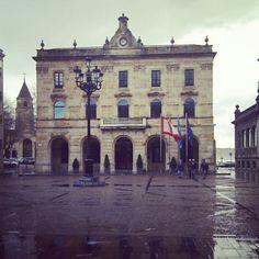 Gijón ye guapo hasta en un dia gris...