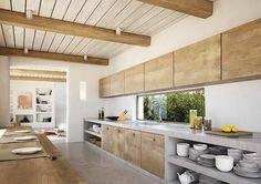 küche mit naturholzmöbeln