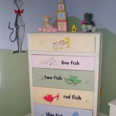 I really do want my baby nursery one day to be Dr suess themed:)