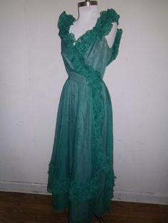 Beautiful vintage teal green evening gown/formal/prom dress (free shipping)