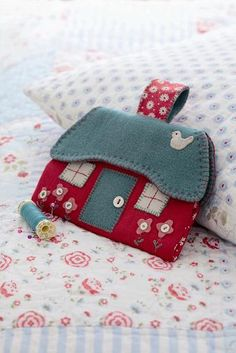 Sewing case project from Sew At Home .. Cute!