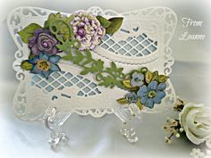 I recognized the dies used on this beautiful card: Marianne Design Fancy Edge With Lattice and Spellbinders Timeless Rectangles.